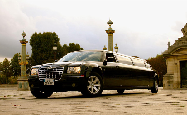 Photo Limousine 300 C BLACK