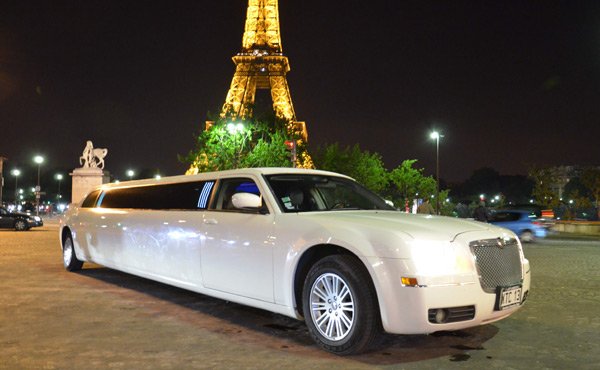Photo Limousine 300 C WHITE