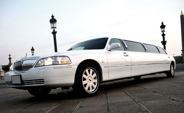 Photo Limousine Lincoln White